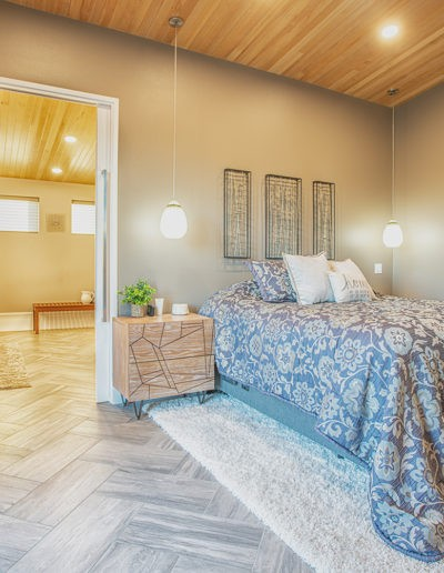 master bedroom web 400x516 - Home Electronics Gallery